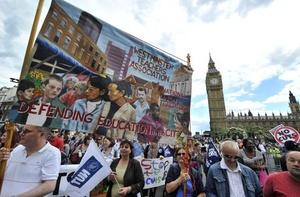 El gobernante le dijo a la cadena BBC que las huelgas se llevan a cabo a pesar de que hay muy poca convocatoria a la hora de votar por las mismas.
