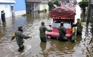 En Tampico, se reportaron inundaciones en ocho colonias ubicadas en el margen poniente de la Laguna Carpintero, así como en seis más de la Zona Norte. Dos Centros de Refugio Temporal estaban habilitados.