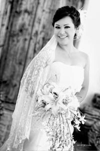 Elizabeth Soto Esparza captada el día de su boda con el  Sr. Guillermo César Vitela Vera. <p> <i>Maqueda Fotografía</i>