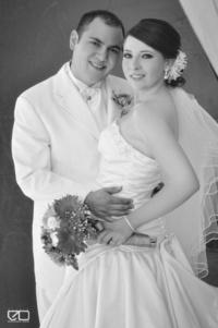 Judith Lárraga Castro y Sr. Roberto de la Torre Moreno el día que contrajeron matrimonio. <p> <i>Studio Edmundo Isais</i>