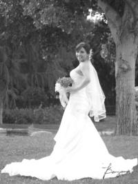Lic. Ana Gabriela Espinoza Pérez captada el día de su enlace con el Ing. Francisco Rogelio Morales García. <p> <i> Benjamín Fotografía</i>