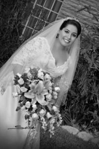 Laura Angélica Dovalina Díaz el día que unió su vida a la de Lic. Enrique Riquelme Díaz. <p> <i>R. Sosa</i>
