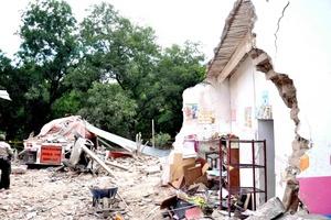 Un trailer embistió a una guardería y causó la muerte de al menos seis personas, incluidos tres niños, en el municipio rural de Aramberri, Nuevo León.