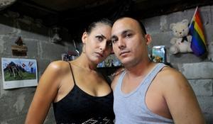 La transexual Wendy Iriepa y su novio Ignacio Estrada, se casaron el día del cumpleaños de Fidel Castro.