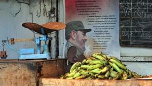 El 1 de enero de 1959 Batista huye a República Dominicana y el día 8 Castro entra en La Habana tras un recorrido triunfal a lo largo de Cuba.