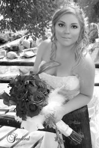 Pricila Capri Rodríguez de la Cruz captada el día de su boda con  el Sr. Iván Valdés Acosta. <p> <i> Sandoval Fotografía</i>