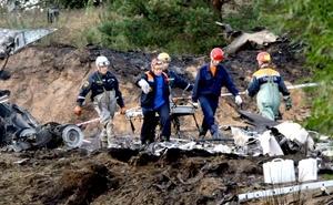 Parte del fuselaje de la aeronave cayó en el río Volga, lo que ha hecho necesaria la intervención de buzos para rescatar los cadáveres.
