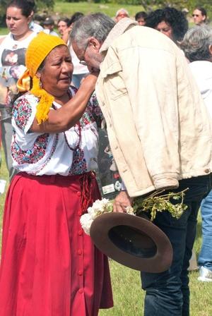 Representantes de pueblos indígenas de Oaxaca darán la bienvenida a los miembros de la caravana en la zona arqueológica de Monte Albán.