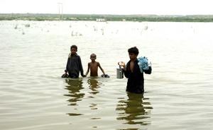 La Oficina Programa Mundial de Alimentos (PAM) en Pakistán informó que comenzó la distribución de agua, alimentos y otros suministros de primera necesidad entre más de medio millón de afectados en Sindh.