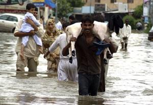 Hasta ahora, 209 personas han perdido la vida y 5.3 millones han sido afectados por el monzón, informó Zafar Qadir, responsable de la Oficina Nacional para la Gestión de Desastres de Pakistán, en declaraciones a la prensa en Islamabad.