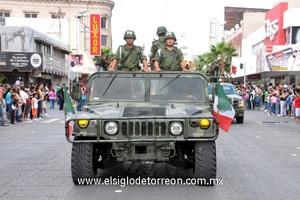 370 militares pertenecientes a la Décima Primera Región Militar fueron parte del contingente en el desfile.