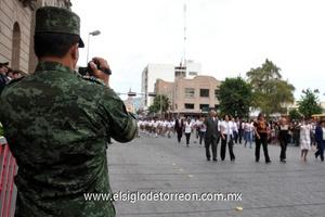 El desfile se desarrolló por espacio de una hora.