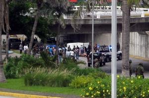 Según las autoridades, al parecer las víctimas eran miembros del cártel de 'Los Zetas', que fueron asesinadas por una organización criminal rival, el cártel del Golfo.