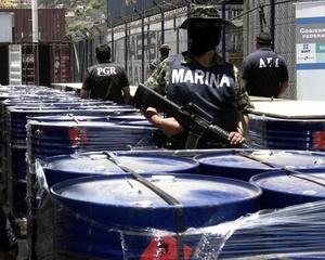 Según las estimaciones castrenses, la droga terminada tendría un costo de 430 millones de pesos (unos 31 millones de dólares) y equivaldría a tres millones 600 mil dosis.