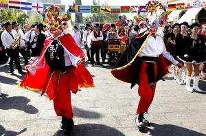 La temática puesta en carpeta por la OMT busca promover la diversidad cultural en todo el mundo, en todas sus formas.