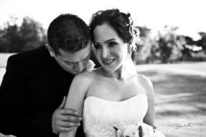 Olivia García Díaz y Sr. Rodrigo Alfonso Carreón Carrillo, el día que contrajeron matrimonio. <p> David Lack Fotografía</i>