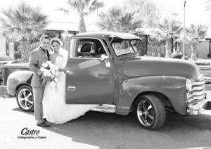 El día de su boda Martha Zucel Monreal García y José Gerardo Ramírez Ceballos. <p> <i> Castro Fotografía y Video</i>