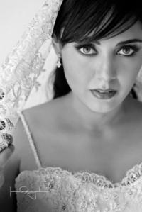 En una fotografía de estudio el día de su boda, María Estela Villa Franco. <p> <i>Estudio Laura Grageda</i>