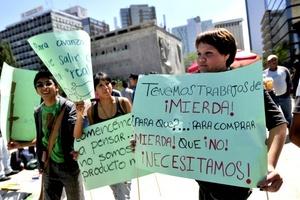 Unos protestaron contra la desigualdad en el ingreso, otros por la falta de castigo a banqueros causantes de la crisis financiera.