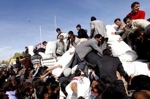 El terremoto tuvo una magnitud de 7.2 grados en la Escala de Richter y tuvo su epicentro en la localidad de Tabanli, cerca de la frontera con Irán.