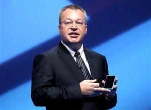 Estos son los primeros móviles de Nokia con sistema operativo Windows Phone. Este año nos dimos cuenta de que teníamos que cambiar nuestra estrategia, desde entonces Nokia ha experimentado una transformación significativa sin mirar atrás.