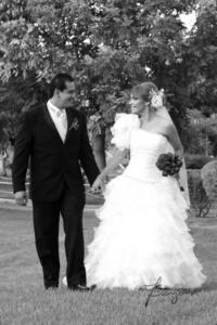Srita. Bianca González Soto e Ing. Eliasib Reyes Moreno, el día de su boda.   Benjamín Fotografía