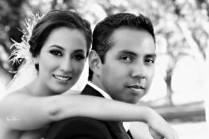Srita. Janeth Aguirre Mota y Sr. Rubén Eduardo Casas Limones el día de su boda.-   Lemotions Fotografía