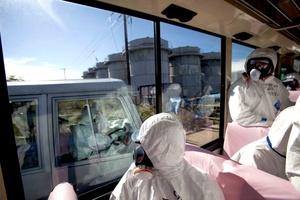 Representantes de los medios de comunicación japoneses e internacionales, contaron con autorización para ingresar a la planta acompañados por el funcionario que nombró el gobierno para hacerse cargo de la crisis.