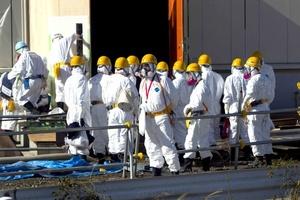 La visita, que duró varias horas, fue organizada por el gobierno japonés para demostrar cuánto se ha estabilizado la situación en la planta en ocho meses desde el devastador maremoto.