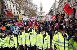 La huelga en la que participan al menos 30 sindicatos nacionales, es considerada la peor de los últimos años.