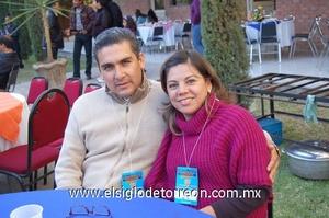 04122011 VíCTOR  y Rosy.