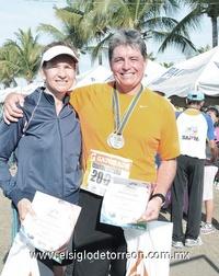 10122011 ALEJANDRA  Nahle y Marisol Berlanga.