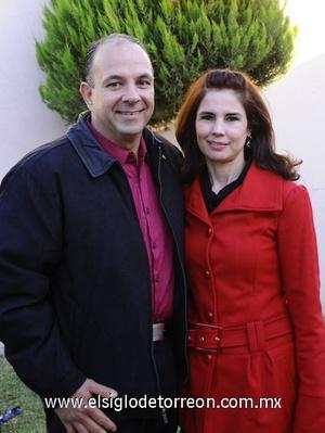 14122011 RICARDO  Calvete y Bety González.