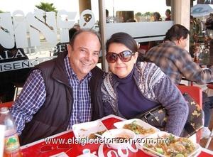 16122011 ARMIN  y Claudia Yáñez.