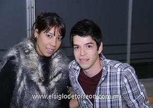 16122011 MARíA  y Emmanuel.