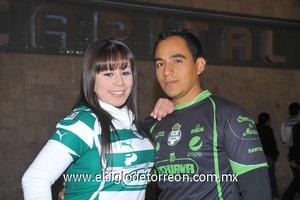 17122011 PERLA  y Édgar Ortega en el TSM.