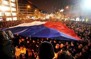 La República Checa anunció duelo nacional por la muerte del escritor y estadista Vaclav Havel, quien falleció en su casa de recreo y que fue testigo de excepción de los cambios políticos que devolvieron al país la libertad.
