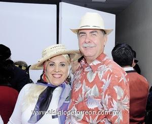 18122011 PATY  y Donato Gutiérrez.