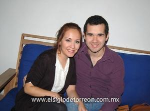 19122011 MARIANA  y Joel.