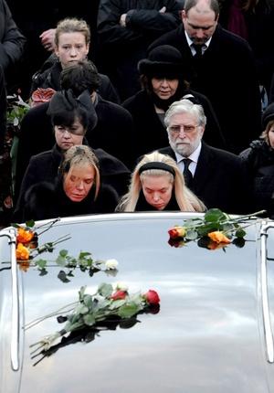 El presidente de la República Checa, Vaclav Klaus, pidió a los ciudadanos que la era de Vaclav Havel continúe, ya que nadie ha representando el prestigio checo en el mundo tanto como el fallecido expresidente.