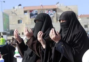 Mujeres sirias protestan
