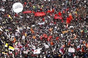 La marcha fue un indicio de la creciente indignación por el hecho de que el primer ministro Vladimir Putin haya permanecido 12 años en altos puestos del poder.