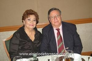 24122011 MARíA  del Socorro y Luis Ignacio.