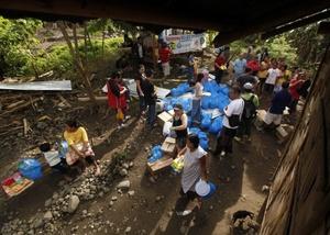 Las autoridades de Filipinas elevaron ayer a 1,457 el número de muertos.