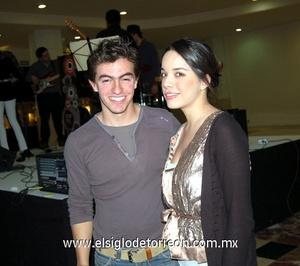29122011 AMIN  Jaidar y Daniela González.
