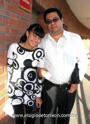 29122011 LINDA PATRICIA  Pérez y Jesús Oziel Pérez Flores.