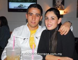 30122011 SEBASTIáN  Rodríguez y Karen Leyva.