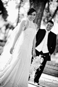 SRITA.  Edna Herrera y Sr. Aarón Muñoz el día de su boda. <p> <i> Maqueda fotografía</i>