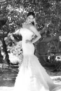 SRITA.  María Trinidad Trujillo Treviño, el día de su boda con el Sr. Roberto Dávila López. <p> <i> Lemotions Fotografía</i>