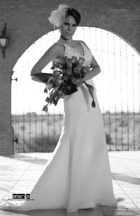 LIC.  Laura Simental Amador el día de su boda con el Ing. Miguel Amador Guerrero.-  <p> <i>Alanis Fotografía</i>